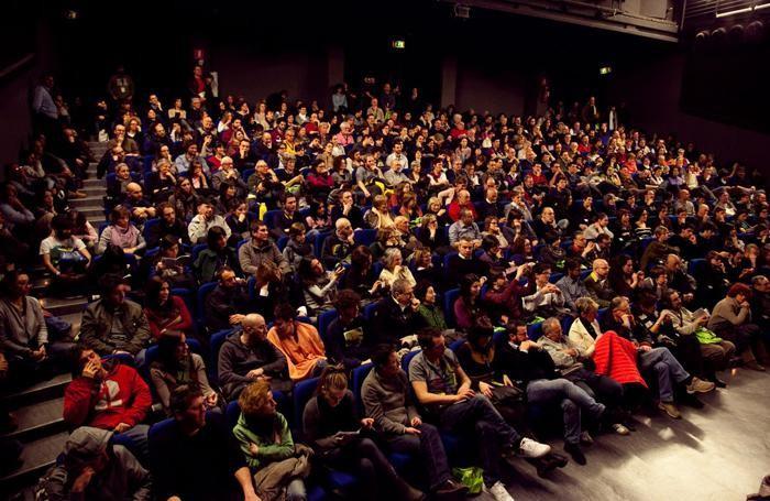 platea del Bergamo Film Meeting all'auditorium di piazza della libertà