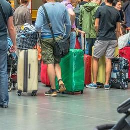 Si sente male in partenza al terminal Scalo di Orio al Serio, muore 67enne