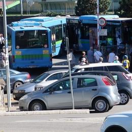 Schianto tra i due bus a Gazzaniga Altri quattro indagati: c'è anche la Sab