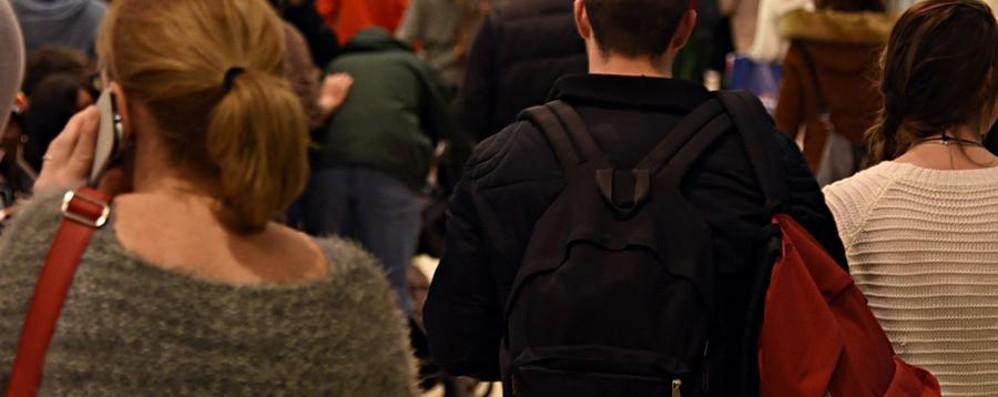 Spacciatore 42enne latitante da gennaio Arrestato mentre passeggia a Oriocenter