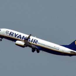 Bagagli a mano, ultimatum dell'Antitrust  Nove giorni di tempo per Ryanair