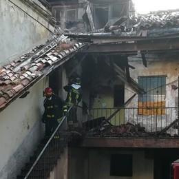 Scoppia un incendio a Treviglio - Video Distrutto un appartamento, ipotesi di dolo