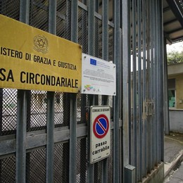 Polli farciti all'hashish al figlio in carcere Arrestato 58enne a Bergamo