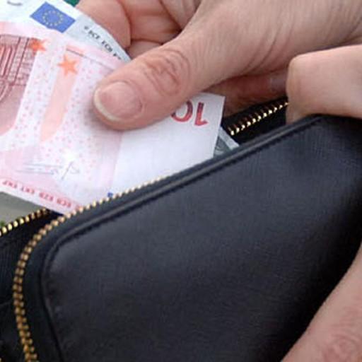 autentico 118db 687b6 Spariscono i soldi dal portafoglio Con la microcamera stana ...