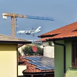 L'atterraggio a Orio del maxi cargo russo Il video spettacolare dell'Antonov