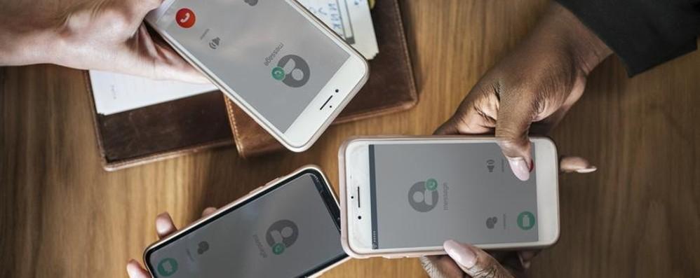 Un limite alle telefonate commerciali Via al prefisso unico per riconoscerle