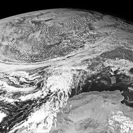 Allerta meteo per le forti piogge «Evento critico, prestare attenzione»