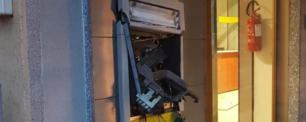 Esplosioni a Bagnatica e Albano Banda del botto colpisce nella notte