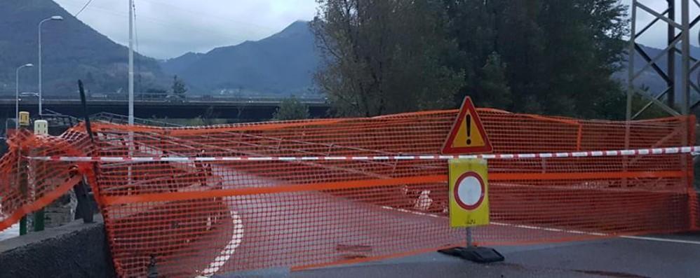 Maltempo, la situazione in Valle Seriana Chiuso il ponte ...