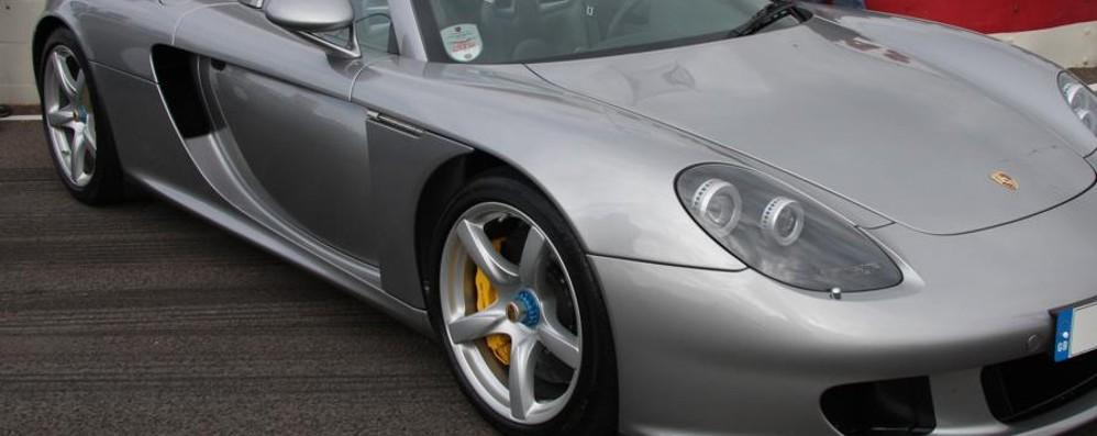 Mozzanica, sequestrate auto di lusso Porsche e Audi senza assicurazione