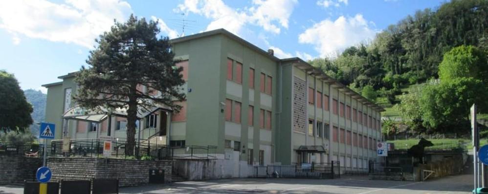 Estintori scarichi, scuola chiusa a Villongo Oltre 400 studenti a casa fino a martedì