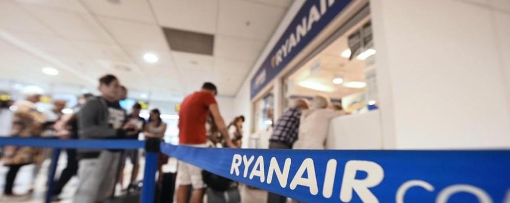 Bagagli Ryanair, stop dell'Antitrust  Sospese le nuove tariffe