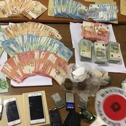 Droga, un taser e oltre 52 mila euro Maxi-operazione alla stazione di Bergamo