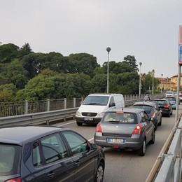Il ponte di Trezzo non chiude ai camion Dietrofront dopo il sopralluogo