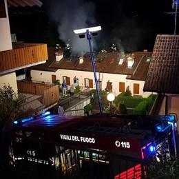 Costa Serina, a fuoco una canna fumaria Inagibili 2 appartamenti, famiglia sfollata