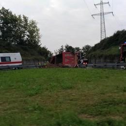 Si ribalta camion a Treviolo Traffico sull'Asse interurbano