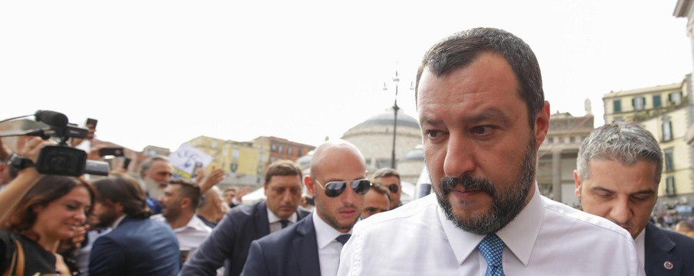 Nuovo scontro a distanza Salvini-Juncker