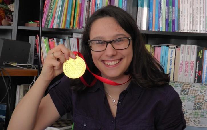 Marina vince la medaglia d'oro alle Olimpiadi degli scacchi