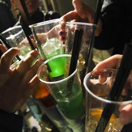 Abuso di alcol, molti interventi del 118 Soccorsi anche due 15enni