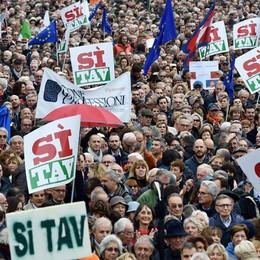 Marcia a Torino per dire Sì Tav