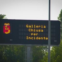 Montenegrone, riaperta la galleria Schianto tra auto: due feriti gravi