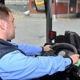 L'allarme degli autisti dei pullman «Ogni giorno di lavoro noi rischiamo»
