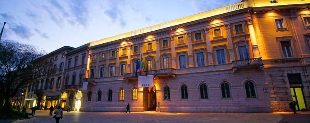 Bilancio, 3,5 milioni di euro in più  Bergamo li «recupera» da tributi e multe