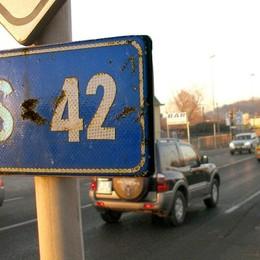 La Statale 42 è al collasso 25 mila veicoli ogni giorno