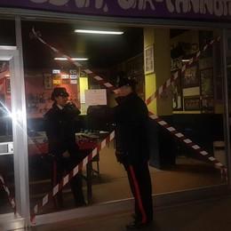Transenne al centro storico di Brignano Blitz dei carabinieri nei bar e pizzerie