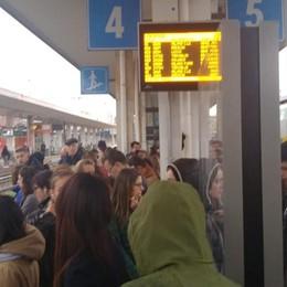 Non c'è lunedì che non sia nero Treno guasto a Pioltello, ritardi sulla linea