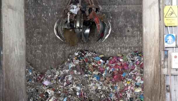 Rifiuti, la Bergamasca è autosufficiente Da Napoli ogni anno 49 mila tonnellate