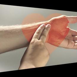 Uno spot per insegnare a misurare il ritmo del cuore