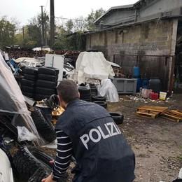 Scoperta un'altra discarica abusiva Deposito di pneumatici usati a Zanica