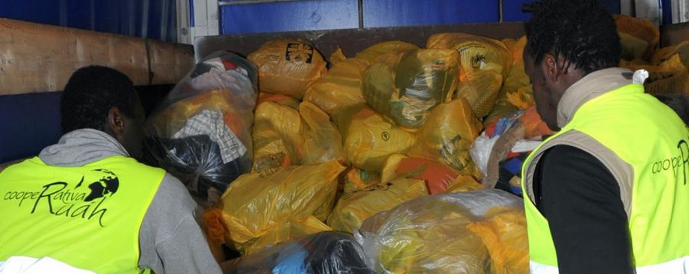 Il grande cuore dei bergamaschi  Raccolte 95 tonnellate di vestiti