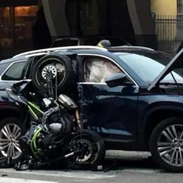 Tragico schianto in moto, zio muore Nipote 12enne grave, ricoverato a Bergamo