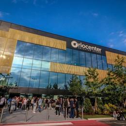 Oriocenter, 20 anni e 200 milioni di clienti Festeggia diventando una maxi discoteca