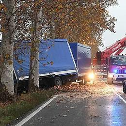 Auto contro tir nel Parmense Grave camionista bergamasco