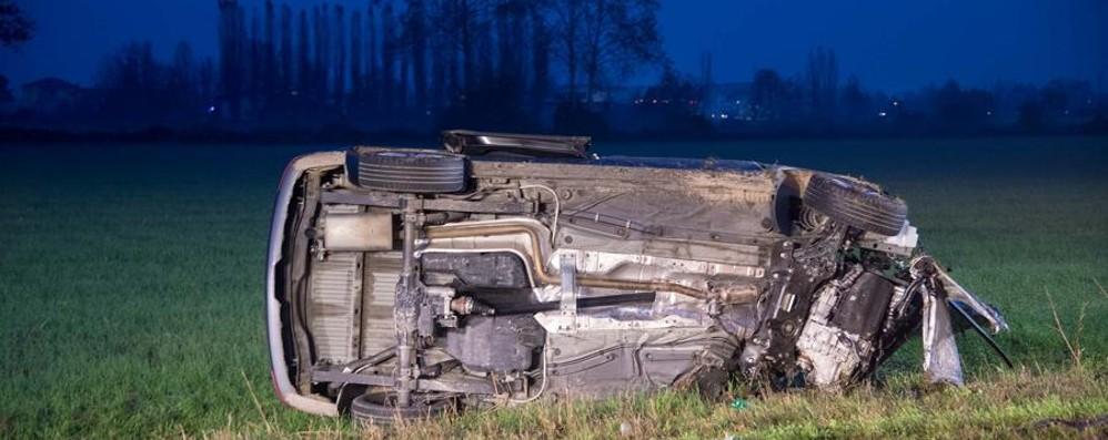 Rivoltana, schianto contro un camion Un 42enne di Bergamo muore sul colpo
