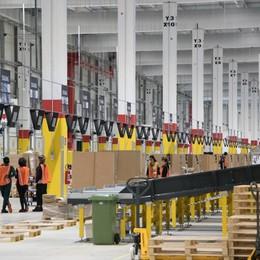 La sfida di Amazon alle Poste Ok alla consegna dei pacchi