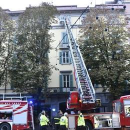 Corto circuito in viale Papa Giovanni XXIII In azione 4 squadre di pompieri - Video
