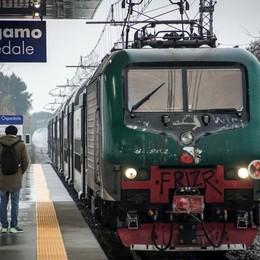 Ritardi dei treni, bocciate 5 linee su 8 Bonus per i pendolari bergamaschi