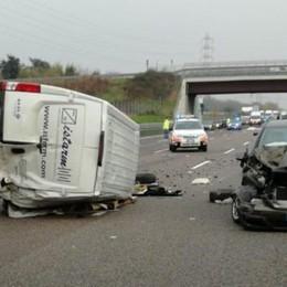 Tragico schianto sull'A4, muore 35enne L'autostrada chiusa per tre ore