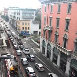 Bergamo, investita bambina di tre anni Soccorsi in codice giallo