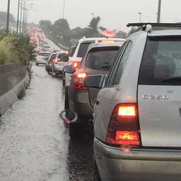 Incidente sull'Asse, lunghe code Mattinata difficile per il traffico