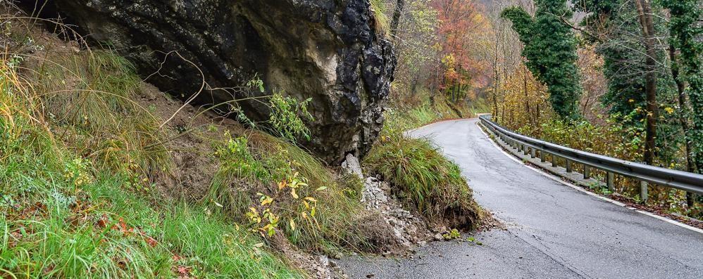 La frana della Val Serina ripresa dal drone Strada chiusa almeno fino a venerdì