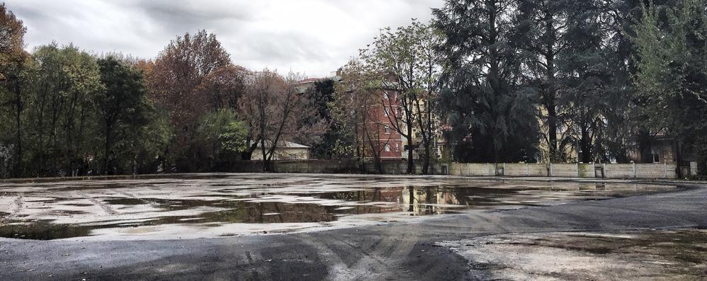 Malpensata, demolito l'ex Palaghiaccio Cantiere all'ex gasometro verso  l'apertura