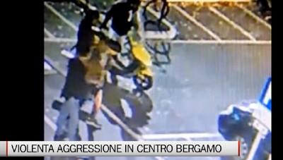 Stazione, pestaggio ripreso dalle telecamere Polizia sulle tracce degli aggressori