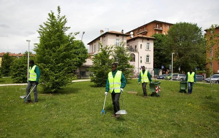 Richiedenti asilo, nessun limite alle attività di volontariato
