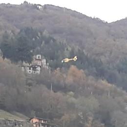 Si sente male a Cazzano Sant'Andrea Ambulanza bloccata, interviene l'elicottero