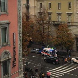 Malore in pieno centro a Bergamo Muore 35enne in viale Papa Giovanni